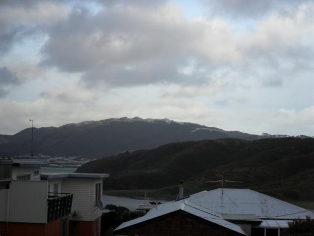 A light dusting on Colonial Knob, as seen from Walker Ave in Mana